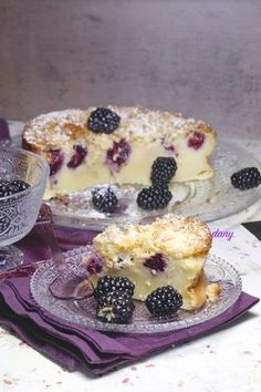 CLAFOUTIS CRAQUANT AUX MÛRES Pastry Recipes, Sweets Recipes, Cooking Recipes, French Cheesecake, Cheesecake Recipes, No Cook Desserts, No Cook Meals, Desserts Fruits, Petits Desserts