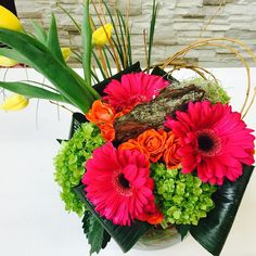 #fleuriste.ca #bouquet# gerbera round bouquet of Gerber's in the pink color tones. contemporary and stylish for any loved one.
