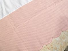 Pink Queen Diamond Quilted Matelasse Bedskirt With Scalloped Edge Euc Jcp - Bed Skirts