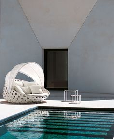 B&B Italia | Sofa | White | Woven pattern | Design | Outdoor