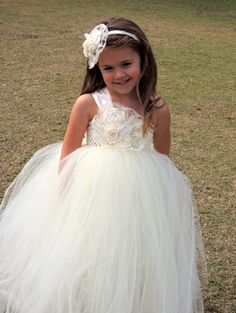 Flower girl dress, Lace Flower Girl tutu dresses #flowergirldress