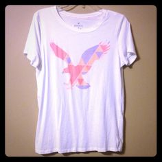American Eagle - Favorite Tee Only worn once in perfect condition. No stains or tears. 100% cotton. Size: Large American Eagle Outfitters Tops