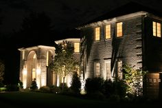 Front yard landscape lighting design