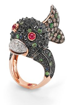 Roberto Coin Fish ring with white and cognac diamonds and green garnets set in 18-karat rose and white gold.