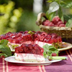Im Originalrezept für die Himbeer-Frischkäse-Torte ist ein Biskuitboden vorgesehen. Doch Mechthild Mersmann aus Lette im Kreis Warendorf backt ihren...