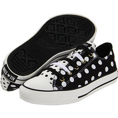 aw man! must get these cute polka dot converse