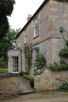 Sweet Southern Days: Visiting Downton Abbey Village - Bampton, England