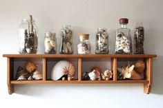 When I think of summer I think beach and beer… with all those the barbecuing and beach combing you are going to end up having a lot of sea shells and beer caps… Home decor can get pricy really fast, this is an awesome way to showcase collections of any kind, and the best part … Read More » #Diy, #Glass, #Jar, #Summer #Do-It-YourselfIdeas, #RecycledGlass Crafts With Glass Jars, Glass Bottle Crafts, Recycled Crafts, Recycled Glass, Arts And Crafts Storage, Beer Caps, Home Decor Items, Home Crafts, Beach Crafts