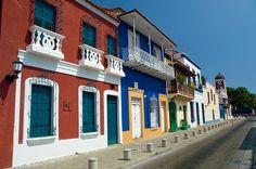 Puerto Cabello, Calle Bolívar en el casco colonial de Puerto Cabello, Estado Carabobo, Venezuela