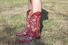 """Horses & Heels blog review: """"The first time I wore these boots out was to a bar at night in the city, let me tell you the people there weren't used to seeing cowboy boots but I did received lots of compliments. I was on my feet for most of the night (3 plus hours) & I came back without a blister or sore feet. The boots fit snuggly & securely without feeling like they were too tight. I also should mention that these boots are available at a great price point too & they are a well made boot."""""""