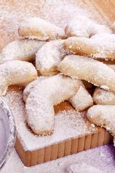 Greek Butter Cookies Recipe - Savor each and every bite of these melt-in-your-mouth cookies. #greekbuttercookies #buttercookies #greekcookies #baking #recipe #kitchme #recipes #dessert #desserts #dessertrecipes