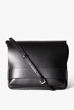 "Size + Fit: - Soft matte leather finish- Length: 9.1"" / 23cm- Width: 2.2""…"
