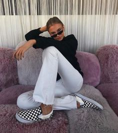 Cute casual black and white outfit. Mode Outfits, Trendy Outfits, Fall Outfits, Fashion Outfits, Fashion Trends, Winter Outfits 2019, Fashion Pics, Look Fashion, Winter Fashion