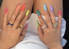 Nail art Christmas - the festive spirit on the nails. Over 70 creative ideas and tutorials - My Nails Bright Summer Acrylic Nails, Pastel Nails, Best Acrylic Nails, Colourful Nails, Summer Nails, Yellow Nails Design, Rainbow Nails, Nagel Gel, Dream Nails