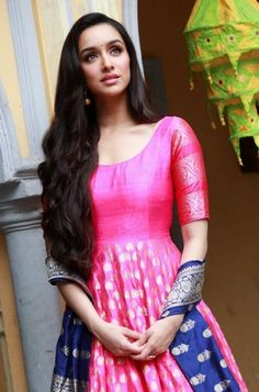 Shraddha Kapoor - Bollywood celebrity and actress Beautiful Bollywood Actress, Beautiful Actresses, Shraddha Kapoor Lehenga, Priyanka Chopra, Deepika Padukone, Indian Attire, Indian Wear, Indian Dresses, Indian Outfits