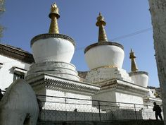 Shigatse, Tibet http://www.imperatortravel.com/2012/05/tibet-where-you-can-touch-the-sky-episode-2.html