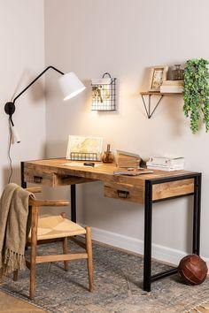 Box Room Bedroom Ideas, Bedroom Desk, Room Design Bedroom, Mesa Home Office, Home Office Setup, Home Office Desks, Rustic Desk, Rustic Office Decor, Industrial Desk