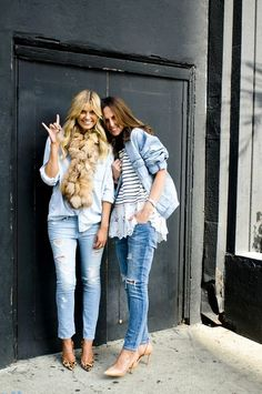 Casual + Chic + Classic - Street style in Denim Fashion Mode, Denim Fashion, Look Fashion, Net Fashion, Fashion News, Estilo Jeans, Vetement Fashion, All Jeans, Ripped Jeans