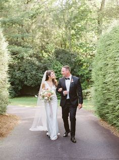 A gorgeous micro-wedding in the picturesque North Carolina Highlands | Highlands Real Weddings - MADELINE TRENT PHOTOGRAPHY | Magnolia Rouge: Fine Art Wedding Blog | Romantic Wedding Photos | Brides | Groom Style Romantic Wedding Photos, Bride And Groom Pictures, Groom Style, Bridesmaid Dresses, Wedding Dresses, Bride Groom, Wedding Blog, North Carolina, Affair