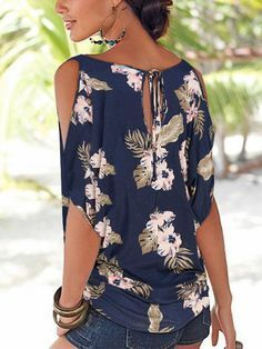 Navy Random Floral Print Cold Shoulder Tie-up at Back Tshirts – Mollyca I always love a Cold Shoulder top but i also like thisTie-up Back detail with the keyhole. I really like the sleeves on this top and the keyhole back. I'm not crazy about the print Blouse Styles, Blouse Designs, Mode Outfits, Casual Outfits, Diy Clothes, Clothes For Women, Sewing Blouses, Dress Patterns, Ideias Fashion