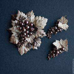Купить Брошь из натуральной кожи Осенняя ягодка - 4 какао крем - украшения из кожи
