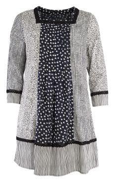 Frühjahrskollektion 2014 - Die Primula-Tunika mit ihren verschiedenen, spielerisch zusammengesetzten Minimuster ist ein ganz ausgefallenes Kleid. Weitere Muster unter http://www.gudrunsjoeden.de/Blusen-Tuniken--40056d.html