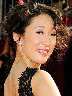 sandra oh.soooo funny as cristina yang Sandra Oh, Cristina Yang, Canadian Actresses, Actors & Actresses, Beautiful Smile, Beautiful People, Yang Grey's Anatomy, Color In Film, Greys Anatomy Cast