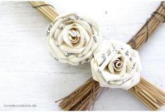 DIY Roses made of Paper | DIY Rosen aus Papier (Buchseiten) zum Verschönern von Geschenken und als Deko [Schritt-für-Schritt-Anleitung mit Fotos]
