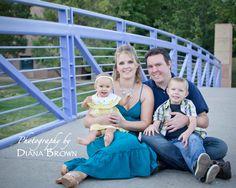 #familyportrait #family #photography #bridge #familyof4 #familyoffour