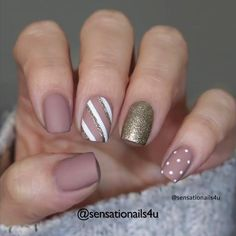 Nail Designs Pictures, Gel Nail Designs, Simple Nail Designs, Cute Summer Nail Designs, Gold Nails, Nude Nails, Acrylic Nails, Cute Christmas Nails, Christmas Nail Designs