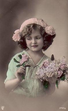 Vintage Girl with pink flowers, antique photo postcard studio portrait. Vintage Prints, Éphémères Vintage, Photos Vintage, Vintage Rosen, Vintage Children Photos, Antique Photos, Vintage Labels, Vintage Ephemera, Vintage Girls