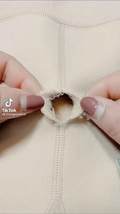 Sewing Lessons, Sewing Hacks, Sewing Tutorials, Sewing Crafts, Sewing Projects, Beginner Knitting Patterns, Sewing Patterns, Clothes Crafts, Sewing Clothes