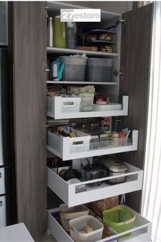 Stone Ferrara Oak Textured Kitchen Cabinet with integrated aluminum handles. #organization #kitchencabinets #cabinets #kitchendesign #kitchen