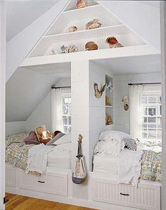 Две кровати в детской на чердаке фото