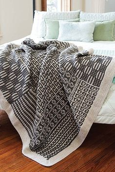 The Beginner's Guide To Mosaic Knitting - Easy One Color Per Row Technique | LeisureArts.com | Жаккард | Постила Knitting Blogs, Easy Knitting, Knitting Stitches, Knitting Projects, Knitting Needles, Afghan Crochet Patterns, Knitting Patterns Free, Crochet Afghans, Mosaic Knitting