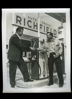 C1940 Original Photo Auto Truck Service Richfield Station Gas Pumps | eBay