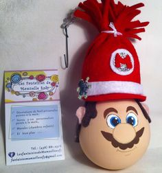 modèle: Mario Bros (Luigi aussi disponible)  Décoration de Noël réalisée à partir d'objets recyclés Pour commander: https://www.facebook.com/LesFantaisiesdeMamzelleSofy