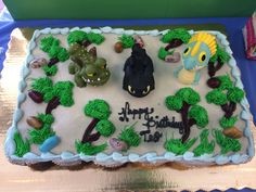 Pull apart How To Train a Dragon birthday cupcakes