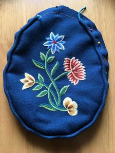 Pot Holders, Machine Embroidery, Coin Purse, Costumes, Purses, Dolls, Norway, Ethnic, Flowers