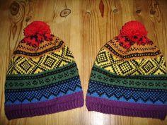 Regnbue lue med Marius mønster Knit Socks, Knitting Socks, Knitted Hats, Tea Cozy, Mittens, Knitting Patterns, Design, Fashion, Knitting Loom Socks