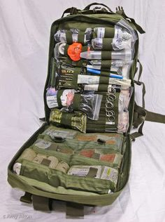 Survival Medical Kit Active Shooter First Aid Kit Trauma Medical Kit - Doom and Bloom Wilderness Survival, Survival Prepping, Emergency Preparedness, Survival Gear, Survival Skills, Water Survival, Survival Gadgets, Survival Videos, Survival Backpack