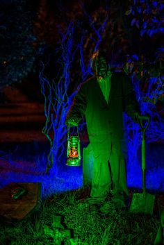 Something wicKED this way comes....: Wicked Woods Cemetery Halloween 2013