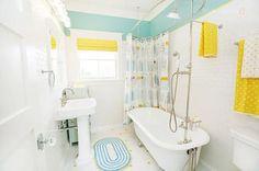 House of Turquoise: bathroom Clawfoot Tub Bathroom, Turquoise Bathroom, Kid Bathroom Decor, Bathroom Colors, Small Bathroom, Colorful Bathroom, Bathroom Designs, Bathroom Interior, Baby Bathroom