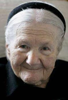 Morreu Irena Sendler, a heroína polaca que salvou 2500 crianças do Gueto de…