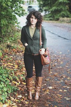 Elizabeth from Delightfully Tacky's naturally curly haircut, via Flickr