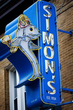 Neon sign in Chicago, photo by Thomas Hawk (submitted to blog by fitbomb)
