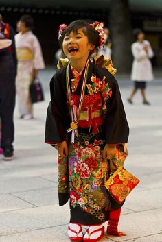 Little Girl at Japanese Wedding Festival - 七五三 by Einharch, via Flickr