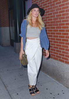 Model babe Doutzen Kroes knows how to rock an awk trouser.