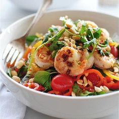 Mmm! Repin if this healthy Thai Shrimp Salad looks like dinner tonight to you too!