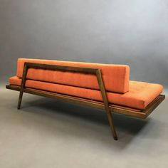 Mid-Century Modern Walnut Upholstered Daybed by Mel Smilow In Excellent Condition For Sale In Brooklyn, NY Danish Modern Furniture, Simple Furniture, Mid Century Modern Furniture, Sofa Furniture, Find Furniture, Furniture Design, Cheap Furniture, Diy Daybed, Upholstered Daybed